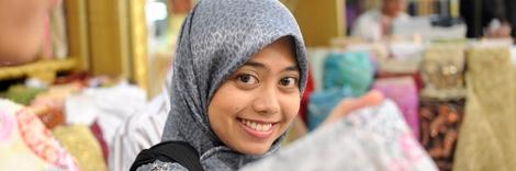 Moça de hijab